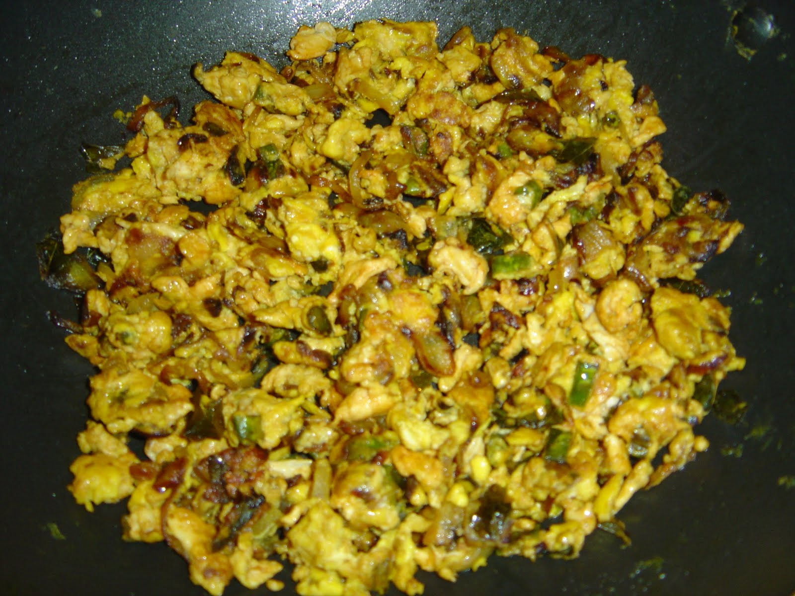 Scrambled or Mashed Egg Curry | Pallavi's blog