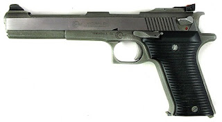 .44 Auto Mag pistol