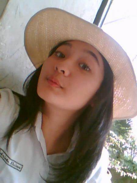 http://1.bp.blogspot.com/_Ip2lraviwjw/SbjMzXthajI/AAAAAAAAACc/FdoUTRr3Ocg/s1600/gakjelas-cewek-cantik-friendster.jpg
