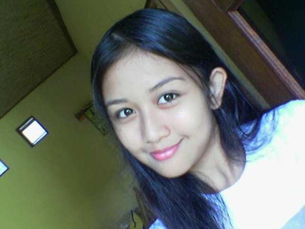http://1.bp.blogspot.com/_Ip2lraviwjw/SbjY3rRkCqI/AAAAAAAAADM/_ZnaPnqhS24/s400/fienna-cewek-cantik-friendster.jpg