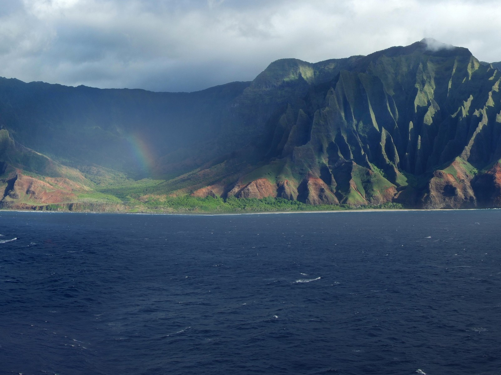 the island of kauai Facebook ceo mark zuckerberg is going to great lengths to protect his privacy  on the hawaiian island of kauai, where he purchased a.