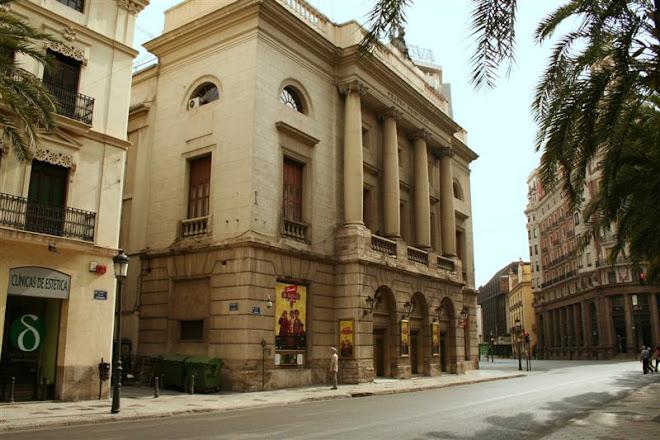 C/ de Las Barcas -- Teatro Principal