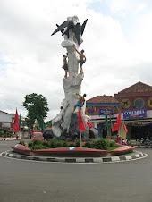 Tugu Lawet Simbol Kebesaran Kota Kebumen
