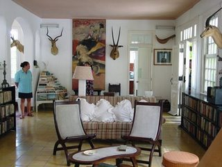 [Hemingway's+living+room]