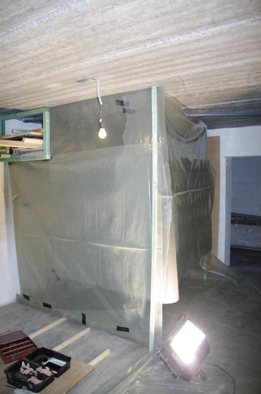 la maison de cam lie cabine de peinture provisoire. Black Bedroom Furniture Sets. Home Design Ideas