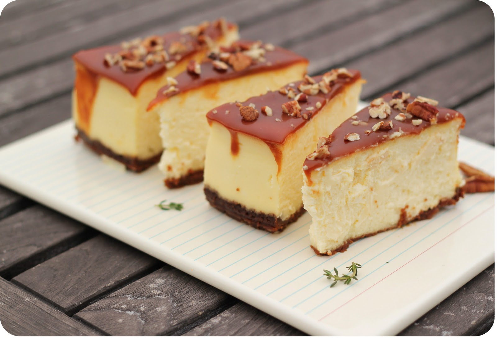 Dulce Delight: Caramel Pecan Cheesecake