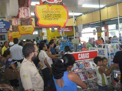 Supermercados fechados aos domingos