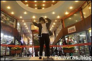 Michael Jackson, uma estátua em São Paulo.