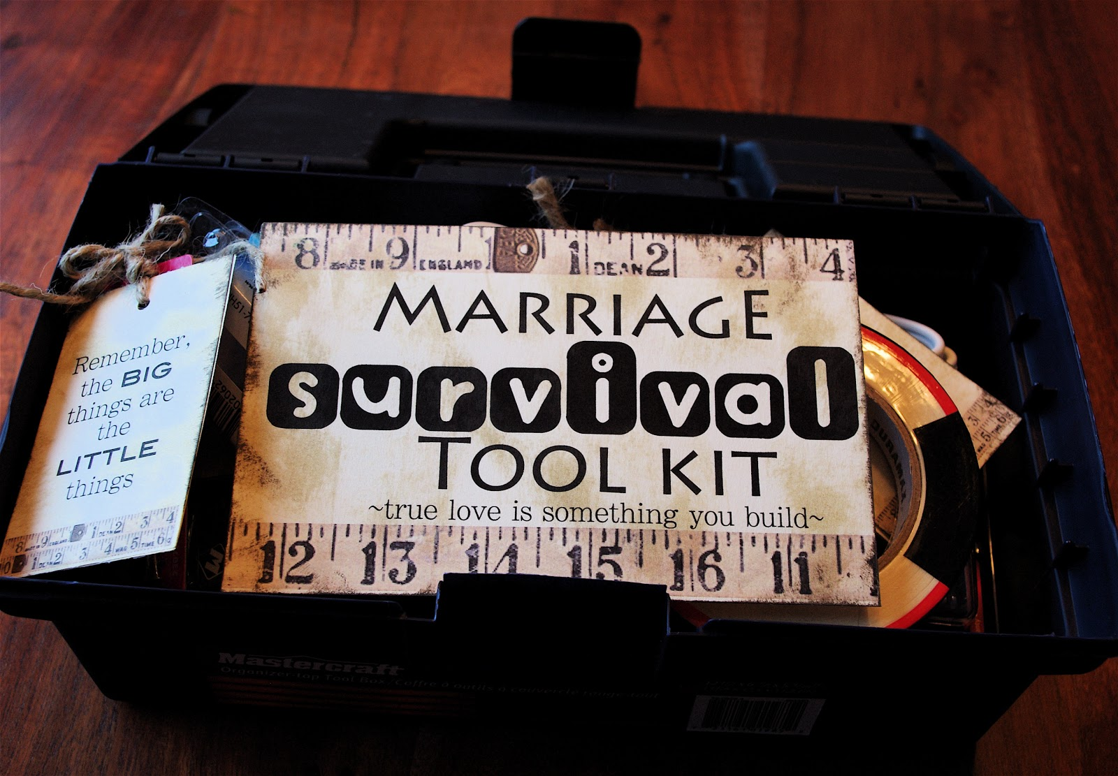Creative try als marriage survival tool kit for Great wedding shower gifts