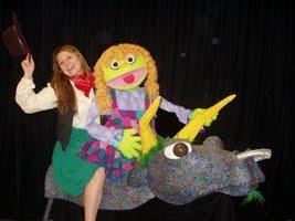 [Annie+Oakley+Madcap+Puppets.aspx]