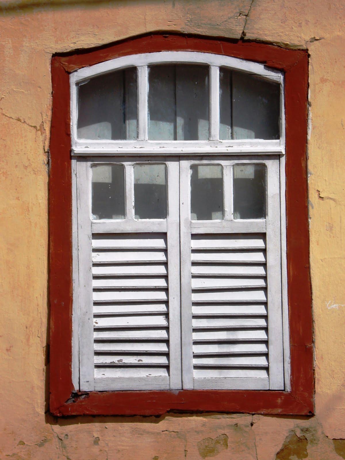 #6B2012 KAKI AFONSO Arquitetura: 03/2010 04/2010 468 Janelas Duplas Em Madeira
