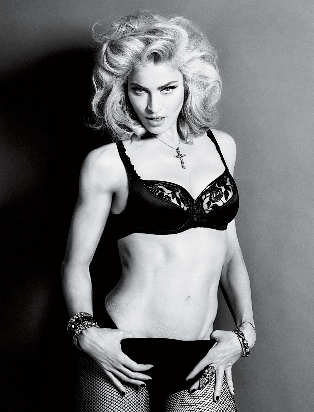 http://1.bp.blogspot.com/_IvkbVmqjYtc/TGlntay5X9I/AAAAAAAAAk0/kO5J9IOnPQI/s1600/MadonnaInterviewMagazine2.jpg