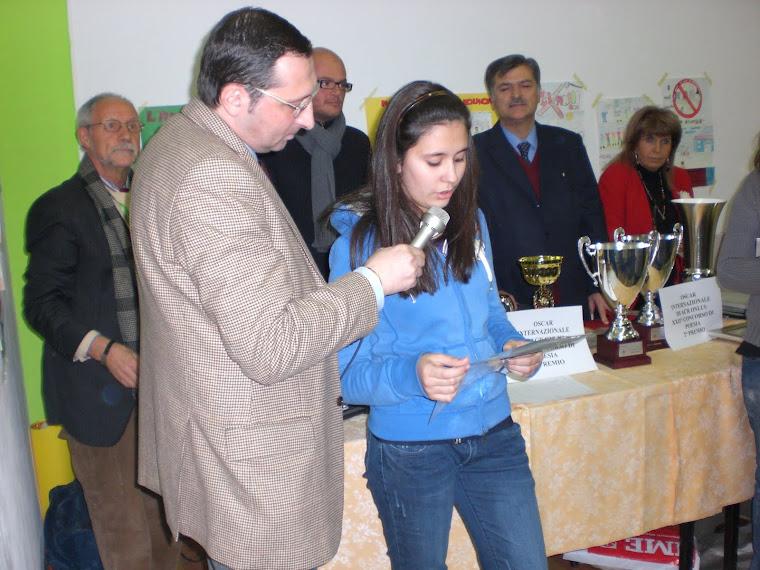 Oscar contro il BULLISMO alla Scuola De Marchi.. GULLI!