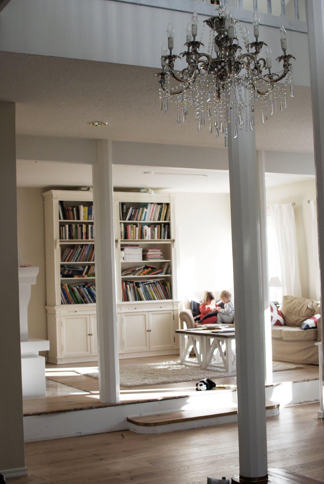 antieke meubels in moderne appartement