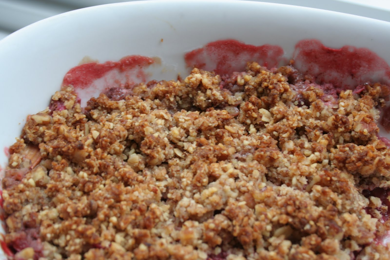 rhubarb crisp recipe with crunchy topping rhubarb crisp is a dessert ...
