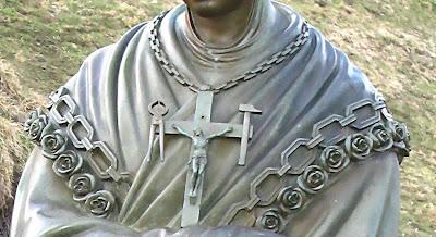 Corrente e Cruz de Nossa Senhora, Aparições de La Salette