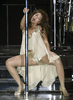 beyonce upskirt pussy+lips1207 Beyonce Knowles Uncensored Pussy Exposed on Stage