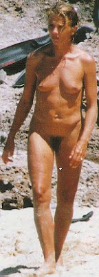 Nude hembra culturista abril