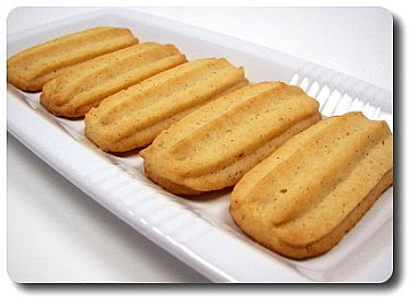 Culinary in the Desert: Vanilla Malted Cookies...