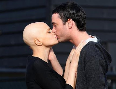 London, Mar 22: British reality star Jade goody has lost her battle to ...