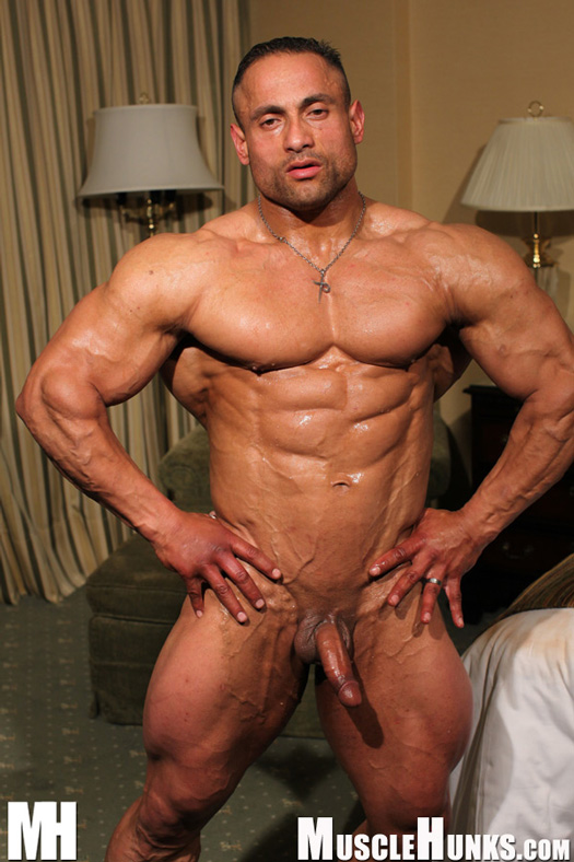 Cock And Tail Time: Super heavyweight bodybuilder Gil dela ...