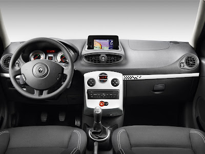 2010 Renault Clio S Interior