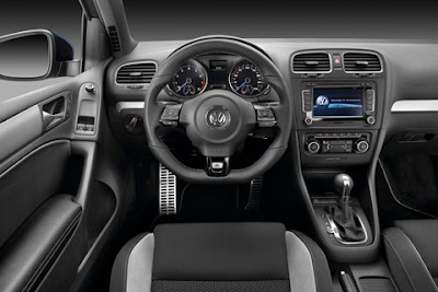 2011 Volkswagen Golf R Interior