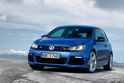 2011 Volkswagen Golf R Picture