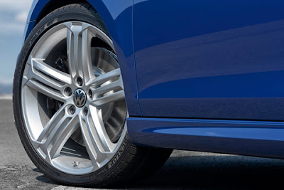 2011 Volkswagen Golf R Wheel