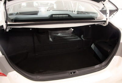 2010 Toyota Hybrid Camry Trunk View