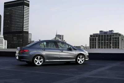 2011 Peugeot 408 Side View