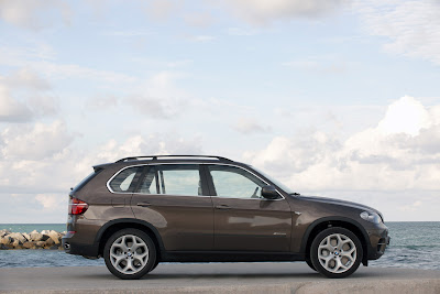 2011 BMW X5 Side View