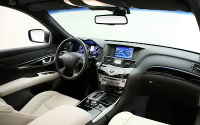 2011 Infiniti M37S Interior