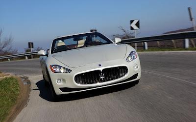 2011 Maserati Granturismo Convertible Test Road