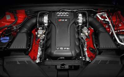 2011 Audi RS 5 Engine