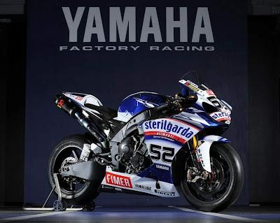 2010 Yamaha YZF 1000R1 Superbike Motorcycle