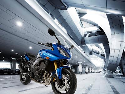2011 motor Yamaha Fazer8 ABS sportbike
