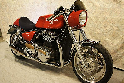 Triumph Thunderbird 1600 Cafe Racer Photo