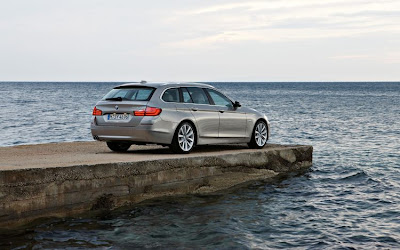 2011 BMW 5 Series Touring Image