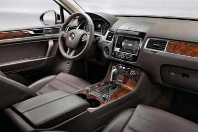 2011 Volkswagen Touareg Interior