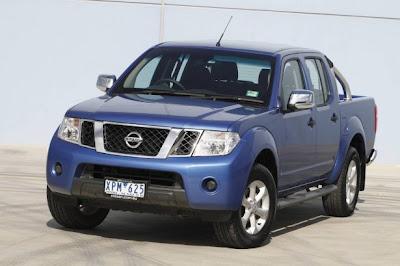 2010 Nissan Navara ST-X Front Angle View