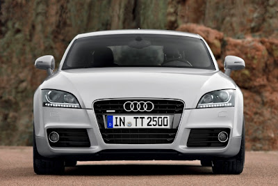 2011 Audi TT Front View