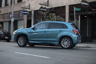 2011 Mitsubishi Outlander Sport Side View