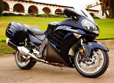 2010 Kawasaki GTR 1400 Concours Official Picture