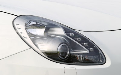 2011 Alfa Romeo Giulietta Headlight