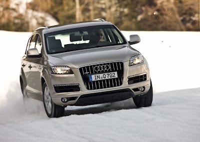2011 Audi Q7 Front View