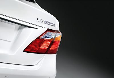 2010 Lexus LS 600h Taillight