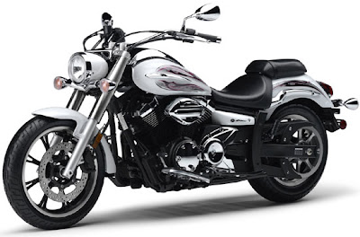 2010 Yamaha V-Star 950 Picture