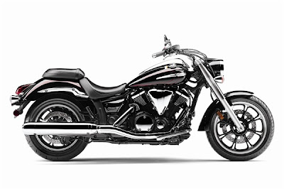 2010 Yamaha V-Star 950 Touring Bike