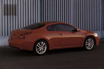 2010 Nissan Altima Coupe Side View